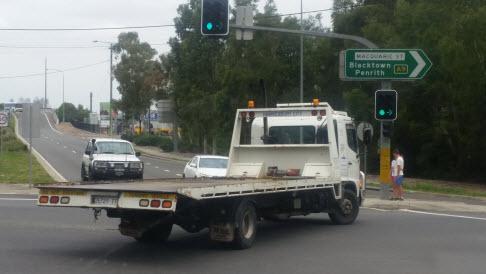 hawkesbury tow trucks